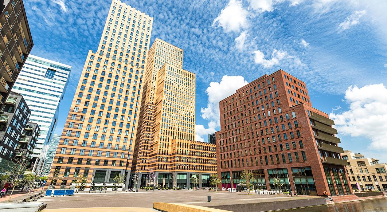 Amsterdam | kantoren en woningen aan de Zuidas