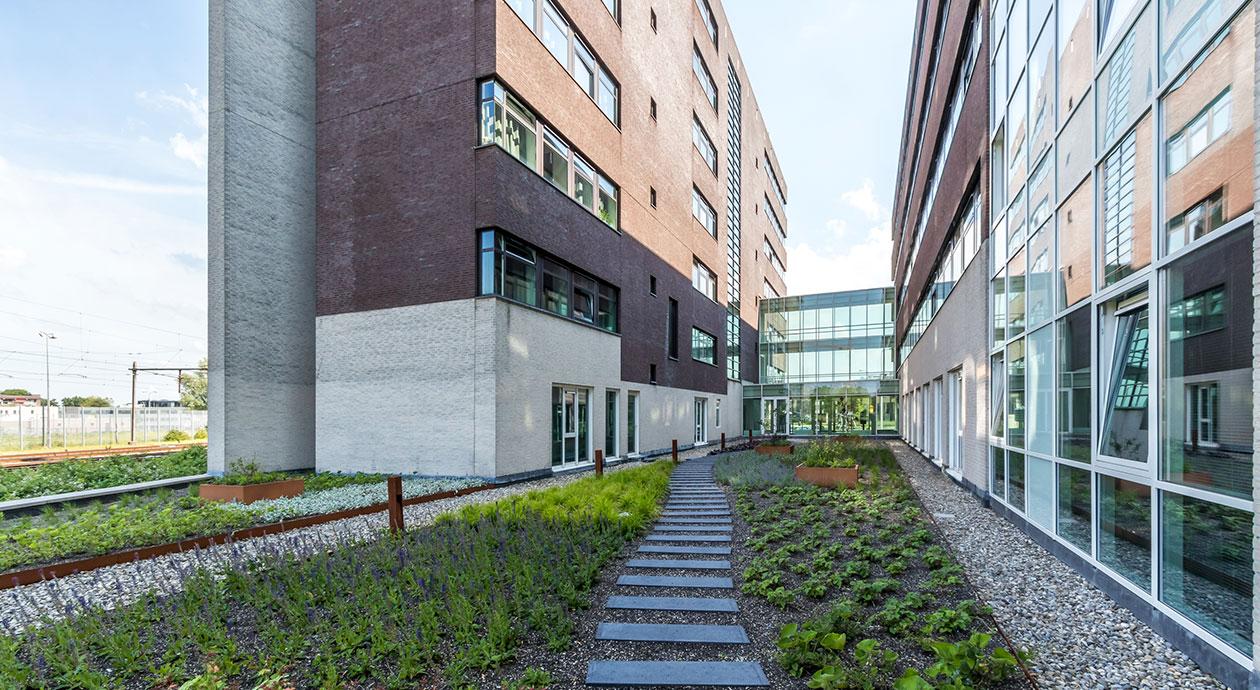Woningfonds Starterswoningen 1 | Transformatie van kantoor naar woningen | Alphen aan den Rijn