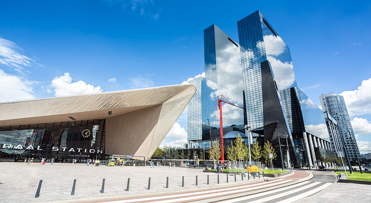 Kantoren, woningen en winkels bij Centraal Station in Rotterdam