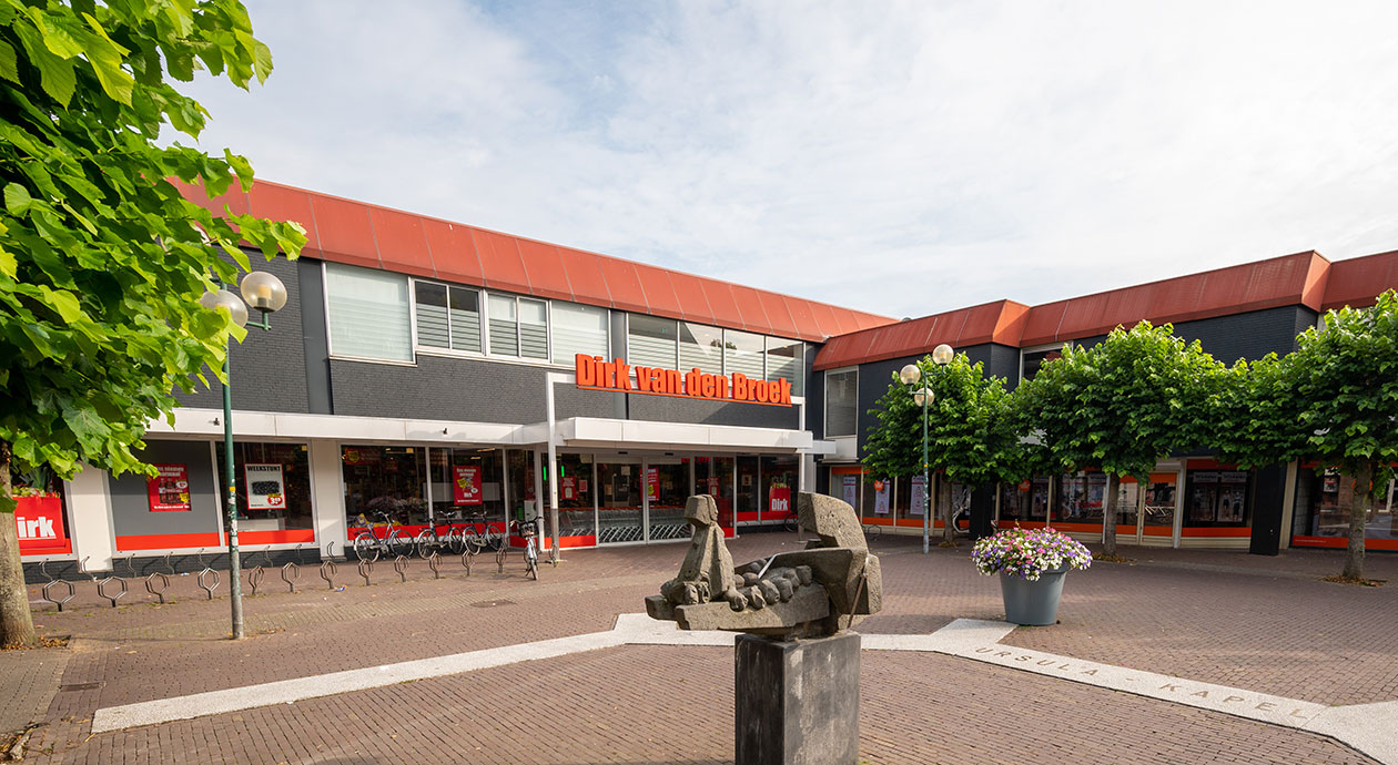 Super Winkel Fonds | Dirk van den Broek | Deventer, Broederenplein