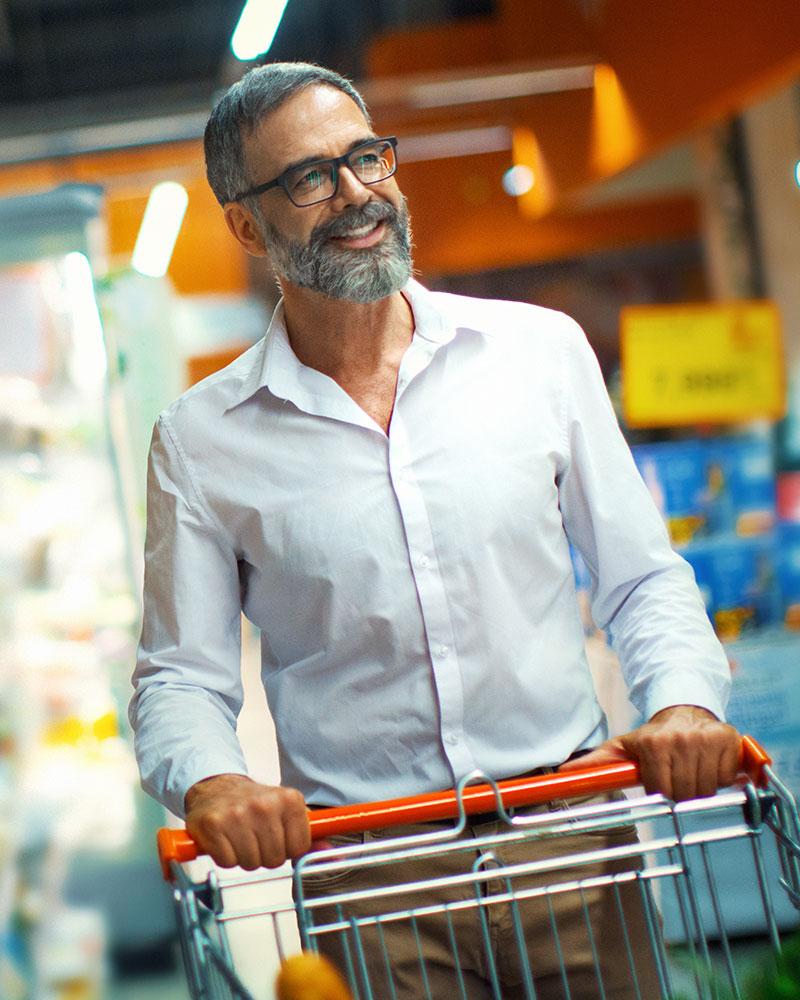 Boodschappen doen in de supermarkt, de stenen winkel